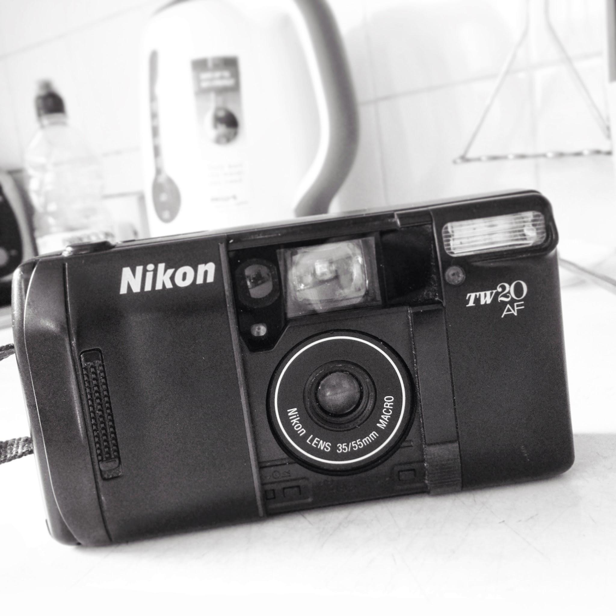 how to put film in a fiml camera slr