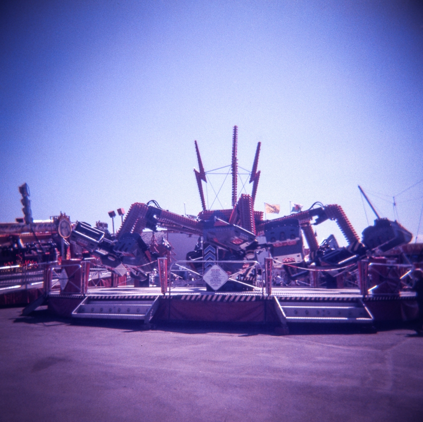 Holga_Lomo_color_slide200_005